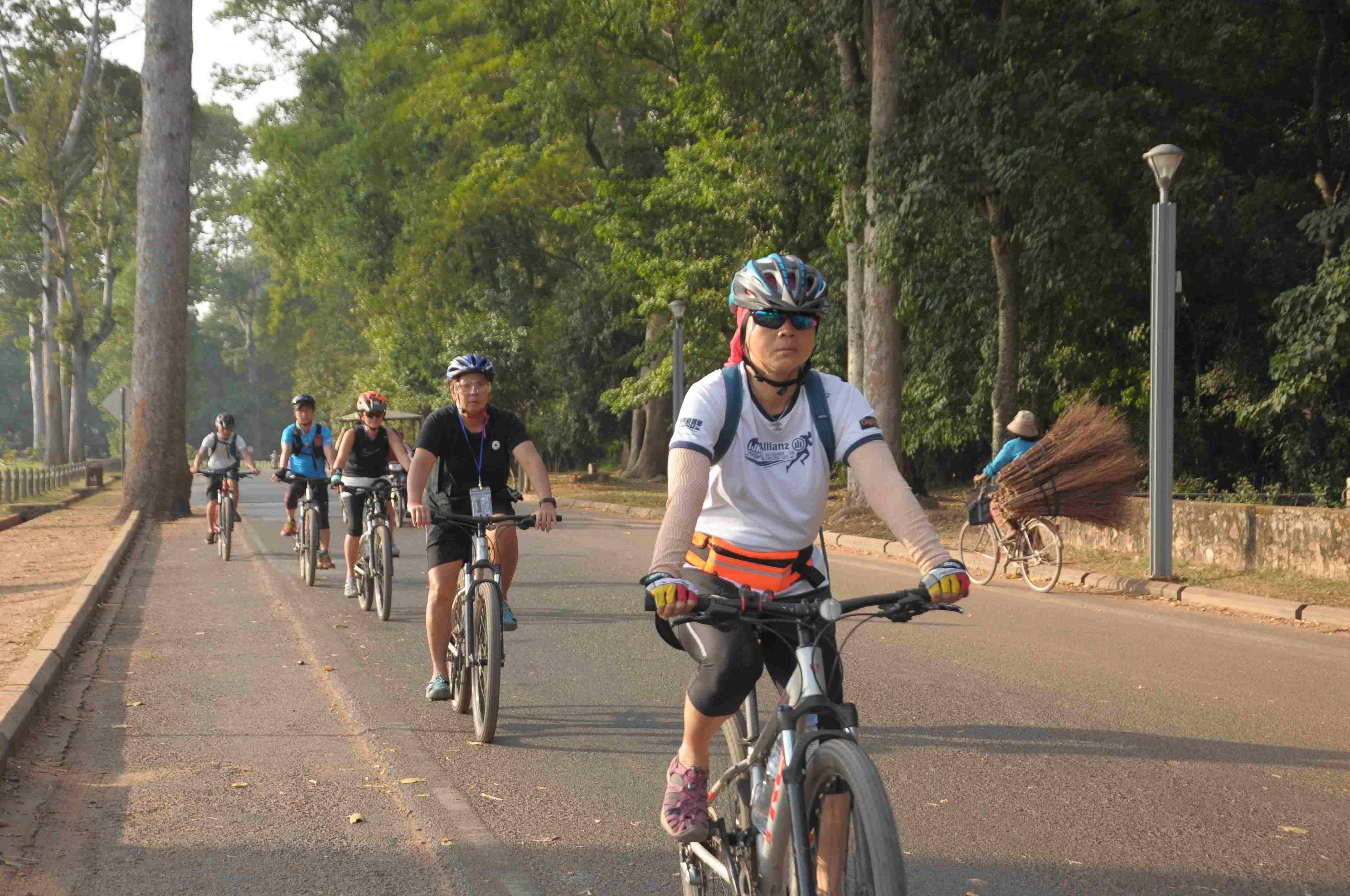 Angkor Sunrise Bike Tour